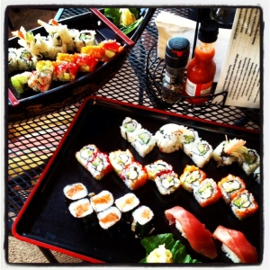 sushi at lunas